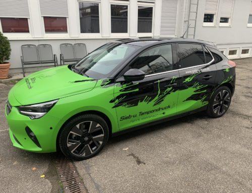 Fuhrpark erhält neues E-Fahrzeug